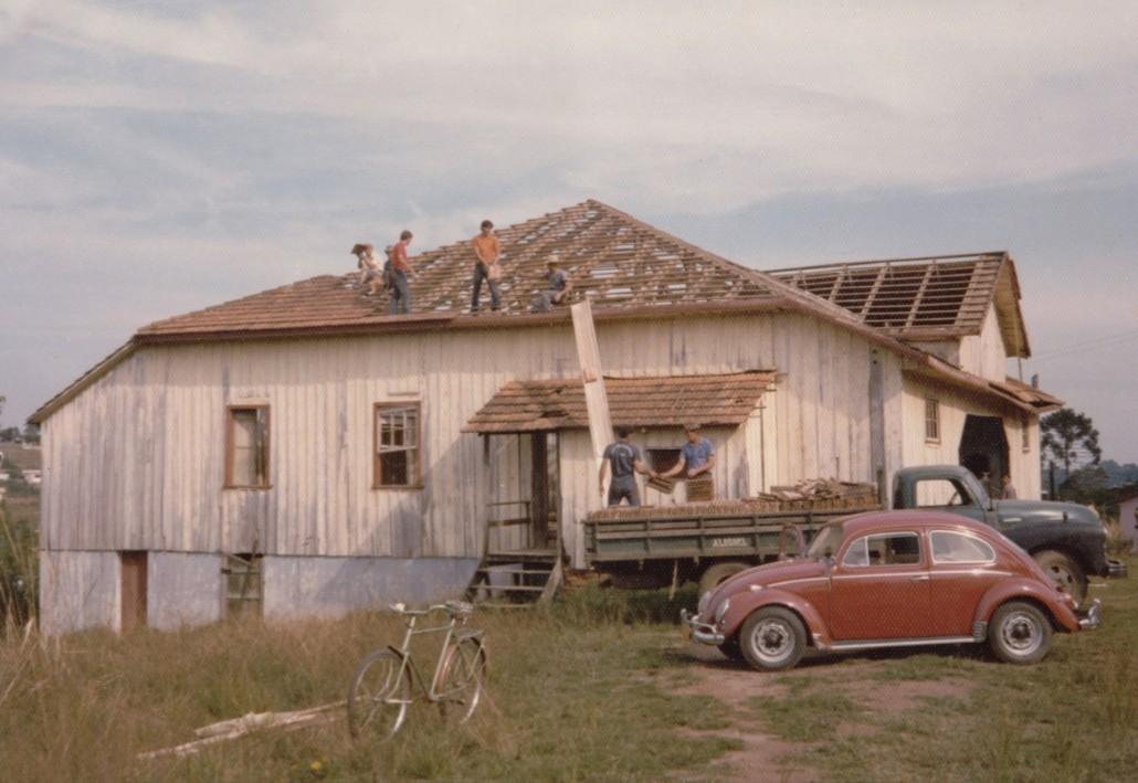 1965 – Demolição da Sociedade Lamenha Lins (salão de baixo)