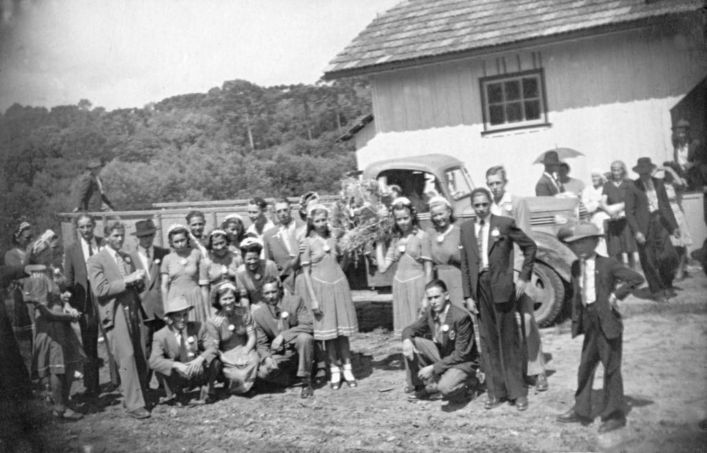Anos 50 – Sociedade Lamenha Lins (salão de baixo) – Baile da Coroa